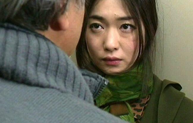《昭和のビデオ》相手がどんな男であれ、オトコ見るとアソコが濡れてしまうド淫乱オンナ!