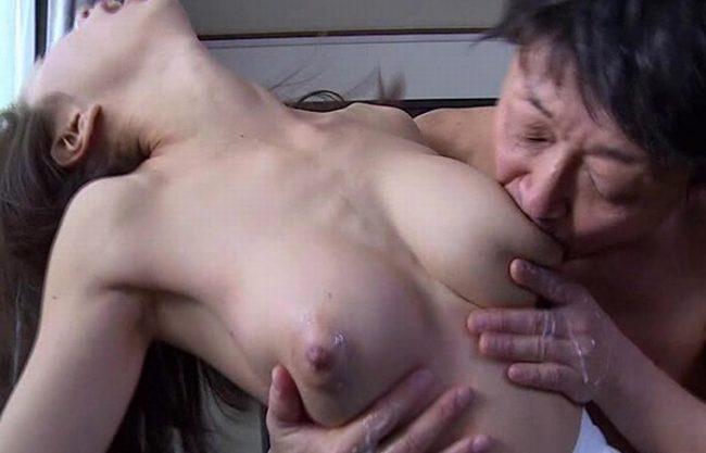 《寝取られ》旦那の上司である元彼が奥さんと肉体関係に『最愛の妻の母乳が吸い尽くされた』罪悪感を抱きながら背徳絶頂!