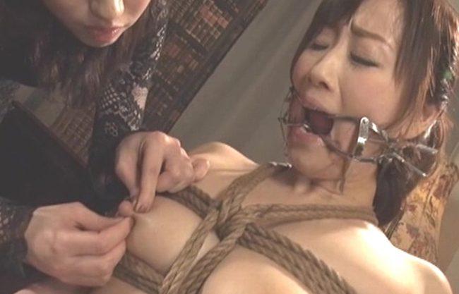 《拷問》美女が美女に凄まじい復習のリンチ拷問『奴隷化調教』底知れぬレズビアンの官能に溺れる!