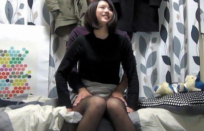 《隠し撮り》ナンパした20歳の激カワ娘にマッサージで寄り添い(^^♪ なし崩し的にセックス!