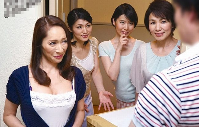 《BBAの誘惑》イイ男とみれば発情ロックオン 30代、40代、50代、60代の淫乱熟女四姉妹!