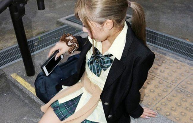 《茶髪娘》華奢で小柄な貧乳のパイパンギャル『今日は生でハメてもイイよ』壊れそうなカラダだけど、オマ〇コは頑丈でした!