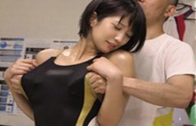 競泳スポーツ女子ばっか狙う変態整体治療医の手によって堕ちてしまう美少女!