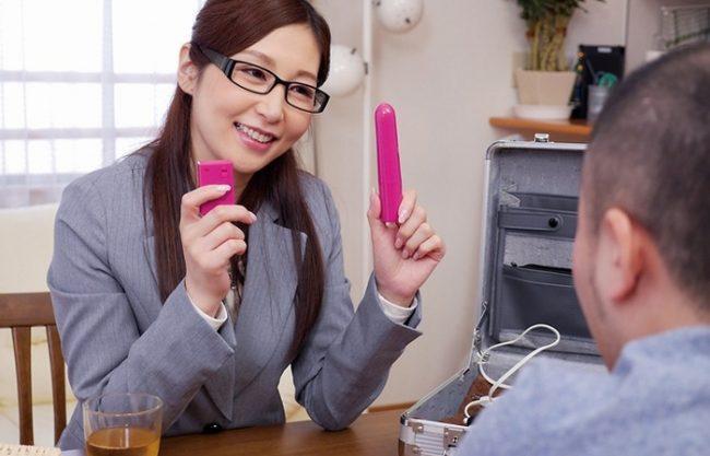 《契約完了》こんな訪問販売があったら最高!絶対買っちゃいますって『お色気ムンムンで誘惑』セールスレディの凄技営業テクニック!
