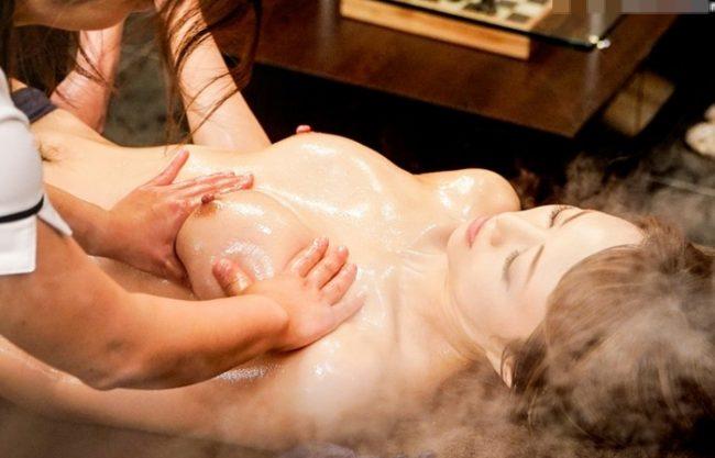 《ヤバイやつ》2人の女性エステティシャンのオイルマッサージで欲情『アロマにドラッグ使用で覚醒』膣奥から喜悦のマン汁を溢れさせ、エビ反りになってイキまくる!