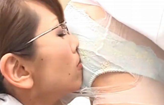 《時間よ止まれ》時間を止めたり、動かしたり『先輩ナースが新人看護師のパンストを引き裂き。。。』ハサミでパンティを切り落とし、オマ〇コ舐めクリまわす!