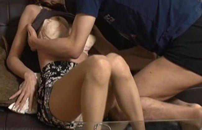 《NTR》パッと見50代以上のド熟女をナンパ連れ込み性交『若くて元気な巨根を見て。。。』美味しそうに咥え、枯れかけていたマンコからは愛液がドバドバ漏れ出して挿入準備完了!