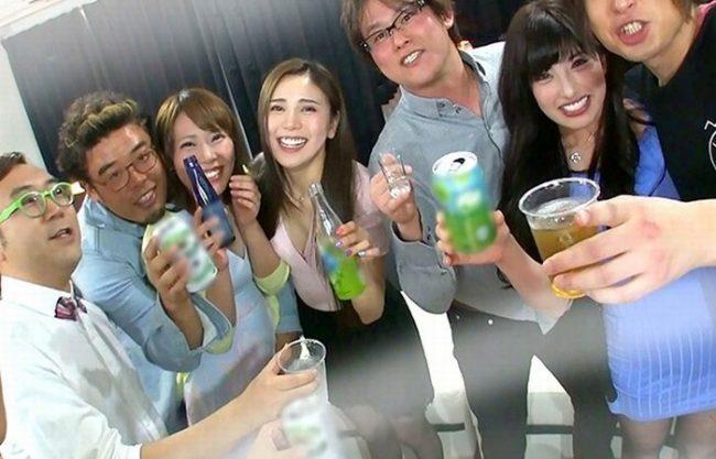 《パリピ女子》六本木に飲みに行ってる看護師ちゃんたち『飲ませて酔わせてやっちゃおう。。。』出会いが少ない欲求不満な女をヤリ捨てポイ!