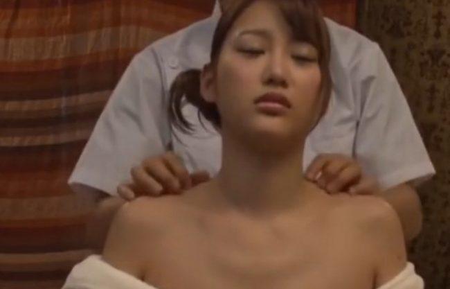 《エステ》お高くとまった爆乳セレブ『乳房を念入りにもみほぐし。。。』絶品ボディをオイルマッサージ!