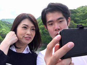 《母子交尾》温泉宿で禁断の愛欲に浸ってる『僕はお母さんを好きになってた。。。』互いに惹かれあう親子の背徳的な性愛!