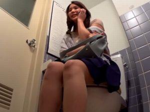 《軟派》終電を逃してしまったアラサー妻をお持ち帰り『トイレで電話してる。。。』ワンナイトに燃える主婦を盗撮カメラが見ていた!