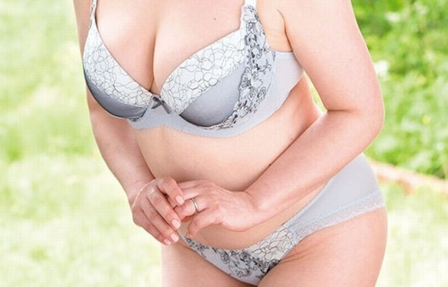 《五十路妻》卑猥すぎる50歳の肉体にOMG『豊満妻が欲望解禁。。。』ドデカイ乳房が揺れまくる!