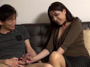 《五十路熟女》まだまだ妊娠しそうな感の50歳の専業主婦『巨根に濡らしちゃった。。。』しかも、種付けセックスまでヤッちゃった!