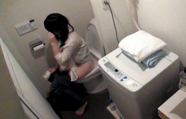 《S級素人》何も知らずトイレまでも最強の盗撮カメラで隠し撮り『ダメだよ、友達でしょ。。。』なんだかんだでSEXまでヤレちゃった映像!