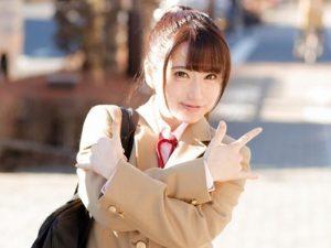 笑顔がとっても素敵な女子校生『ちょっと触るだけでも溢れ出すラブジュース。。。』性感マッサージで欲情し、ワケのわからないまま大人チ〇ポで絶頂!